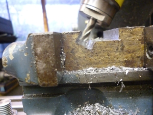 524 making a dovetail using a tilted vertical head