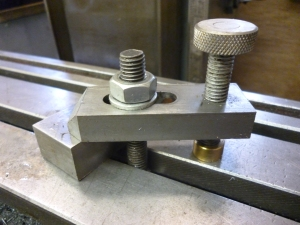560 clamp with knurled knob