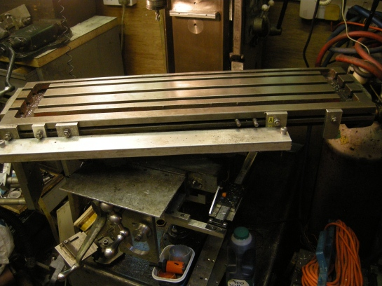 91 Milling machine with table swivelled