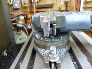 413 holding long thin workpiece 4