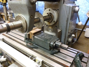 430 horizontal milling with a vice