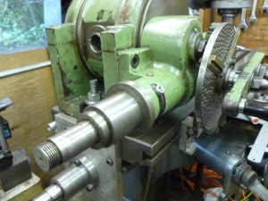 587 auxiliary drive shaft