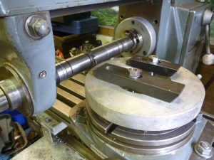 711 cutting large spur gear using rotary table