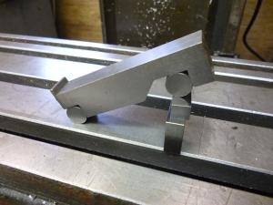 511 sine bar in use