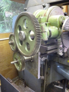 709 gear train fitted for helical milling