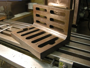 21 angle plate with flat internal surfaces