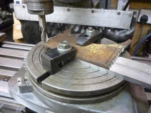 821 making circular t-nuts 1