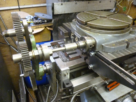 1035 driving the rotary table 2